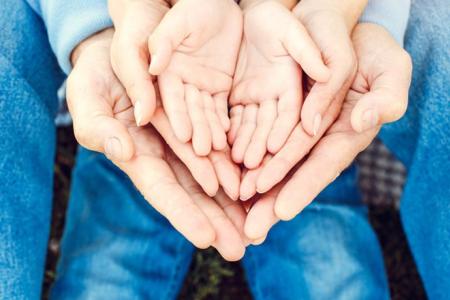 CADEAU D'USAGE - DONS MANUELS - DONATIONS : Quelle différence ?