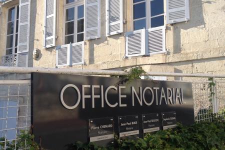 Notaire à saintes office notarial de pierre chenard jean